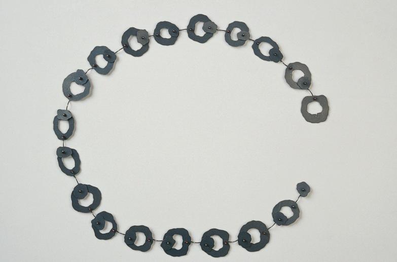 Sita Falkena collier puzzel slot zilver glaskraal ieder segment is een sluiting
