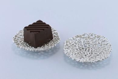 sita falkena bonbonschaaltje voor 1 bonbon zilver-koraal