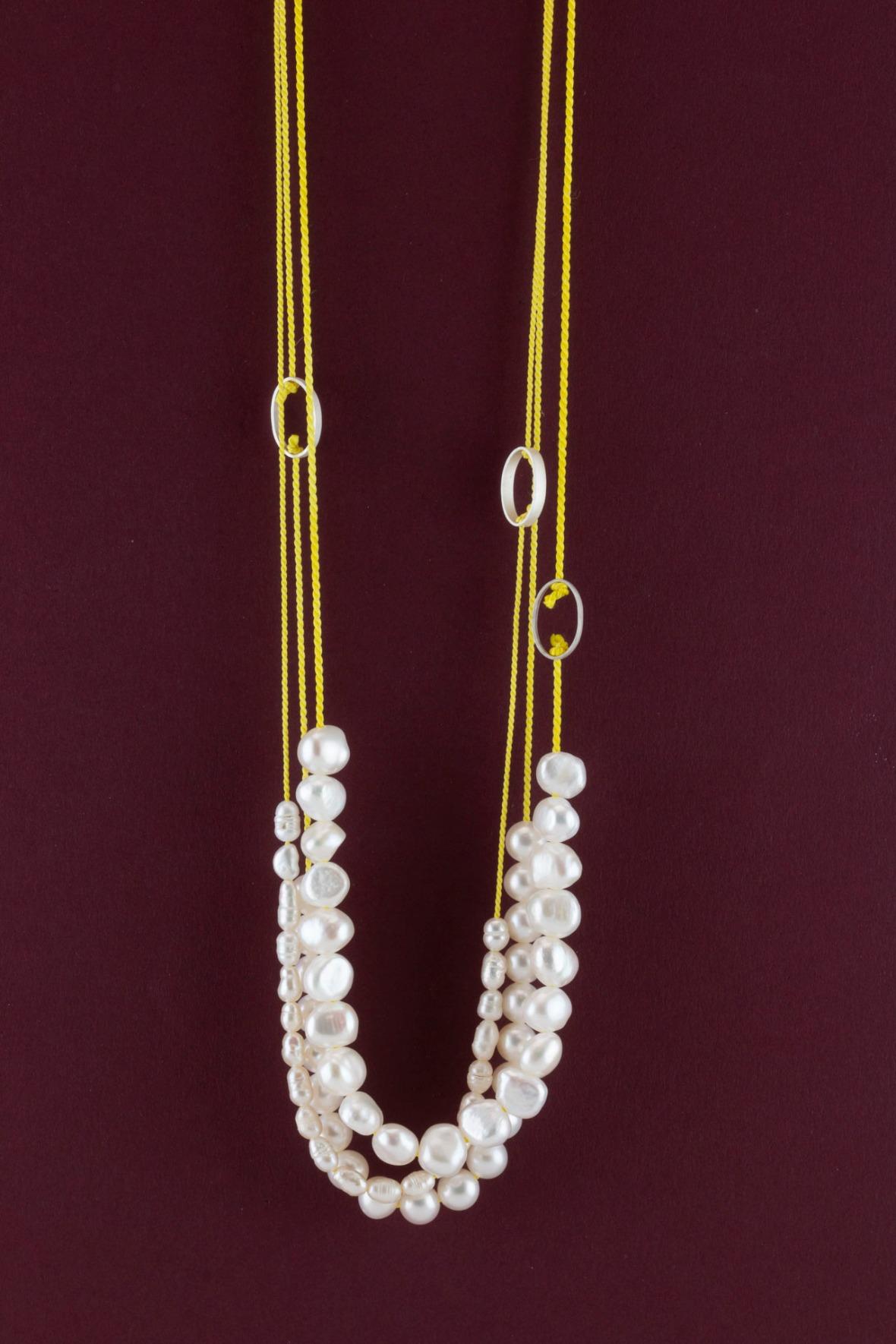 Sita Falkena, parel collier zijde zilver